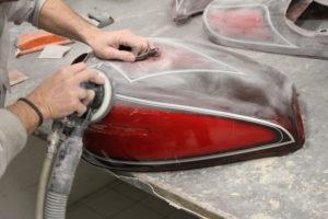 Réparation d'un réservoir moto